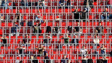 Hollanda'da belediye başkanları koronavirüs önlemlerinin ihlal edildiği stadyumları kapatabilecek