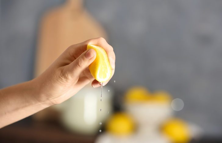 Yiyeceklere limon sıkmanın sağlığa olan faydaları şaşırtıyor!