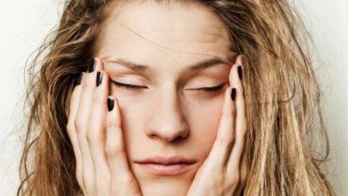 Sabahları yüz şişmesi şikayetiniz varsa dikkat! Bu yöntem kurtarıcınız olabilir