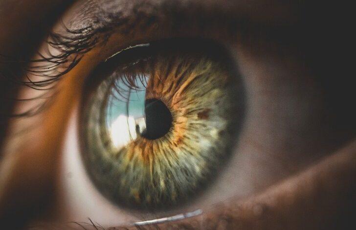 Göz seyirmesi neden olur? Bunları görürseniz doktora gidin!