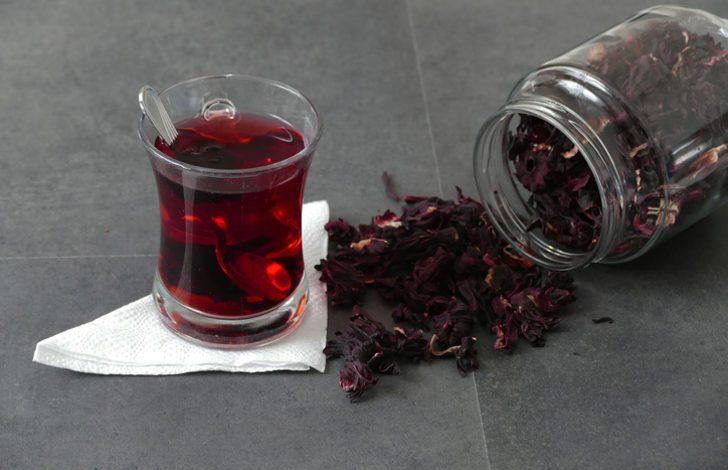 Hibiskus nedir, faydaları neler? Hibiskus çayı nasıl demlenir?