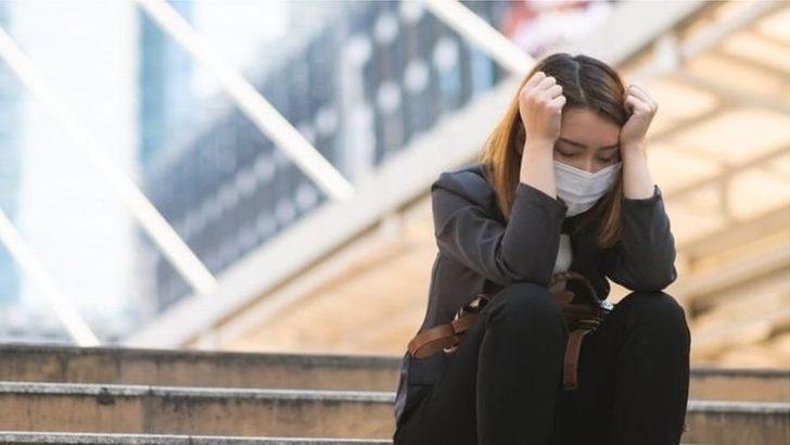 Kısıtlamalara karşı olan uzmanlar, risk gruplarının korumaya alınmasını, genç ve sağlıklıların normal yaşama dönmesini öneriyor
