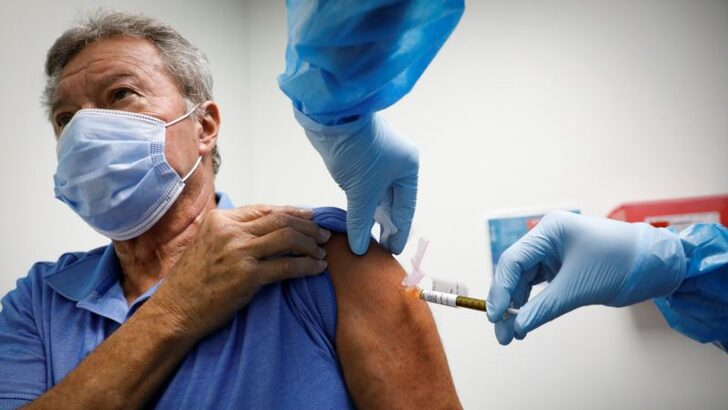 AstraZeneca ve J&J Aşı Deneylerini Yeniden Başlatıyor